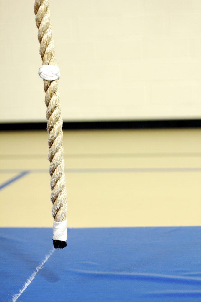 Du kannst entweder das Reck, das Seil oder den Ball als Prüfungsgegenstand wählen